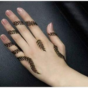 Simple Mehndi Ke Design Fingers