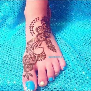 Mehndi Key design feet