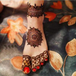 Simple Mehndi Design Foot
