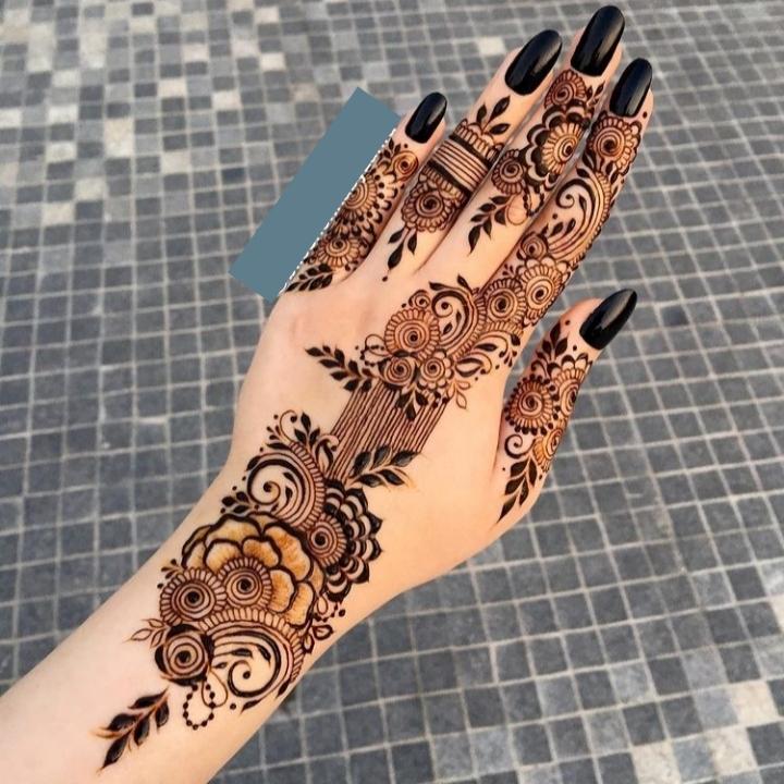 Best Hand Mehndi Design