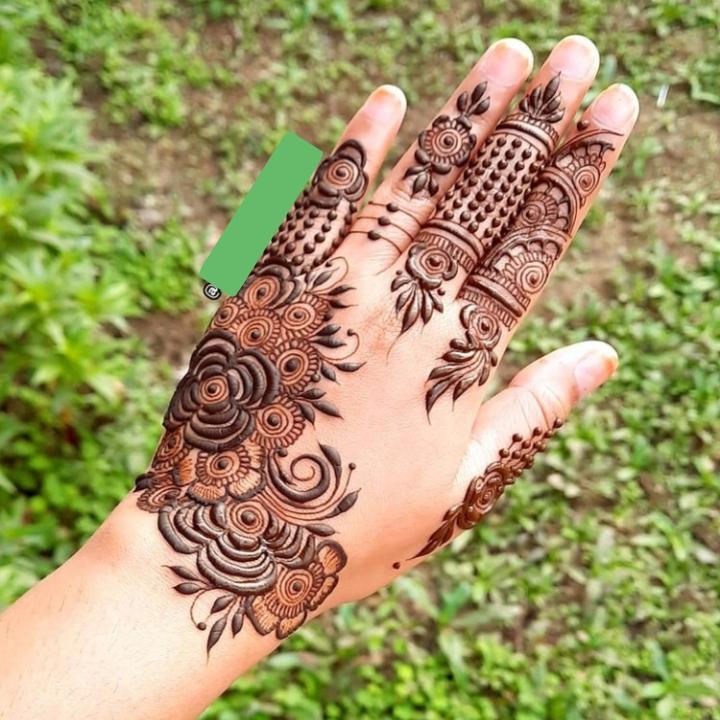 Amazing Design on Hand