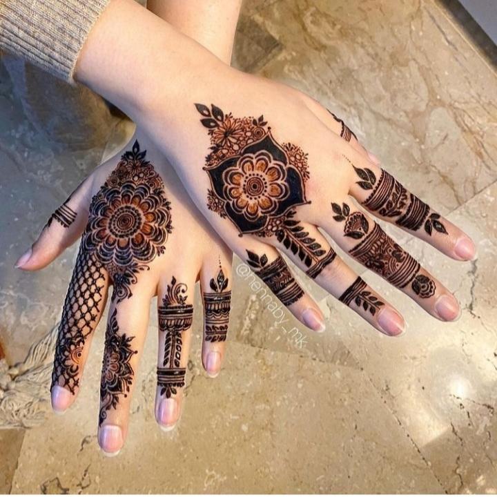 Mehandi Design on Back Hand of Girl