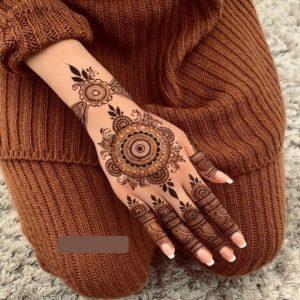 Mehandi Design on Female Hand