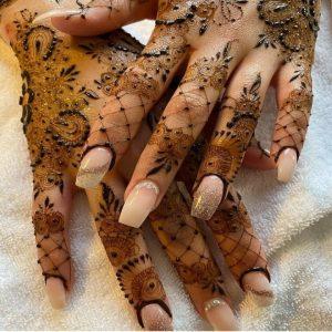 Mehandi Design on Fingers