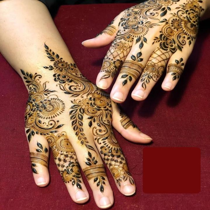 Henna Design on Hand