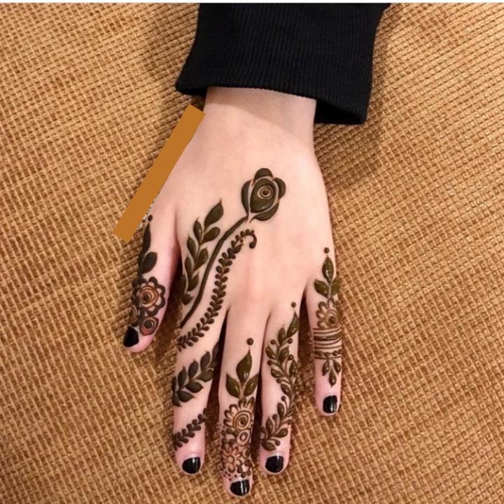 Easy Back Hand Mehndi Design