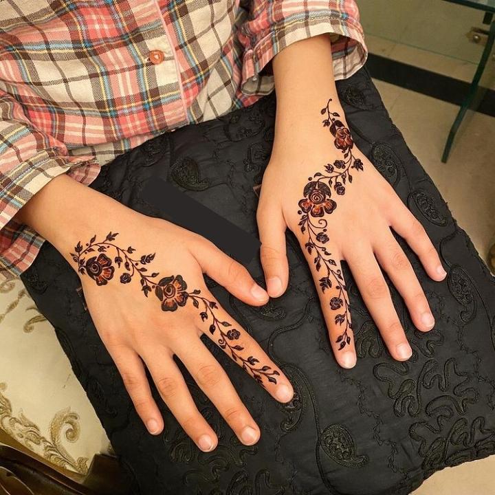 easy mehandi design for fingers