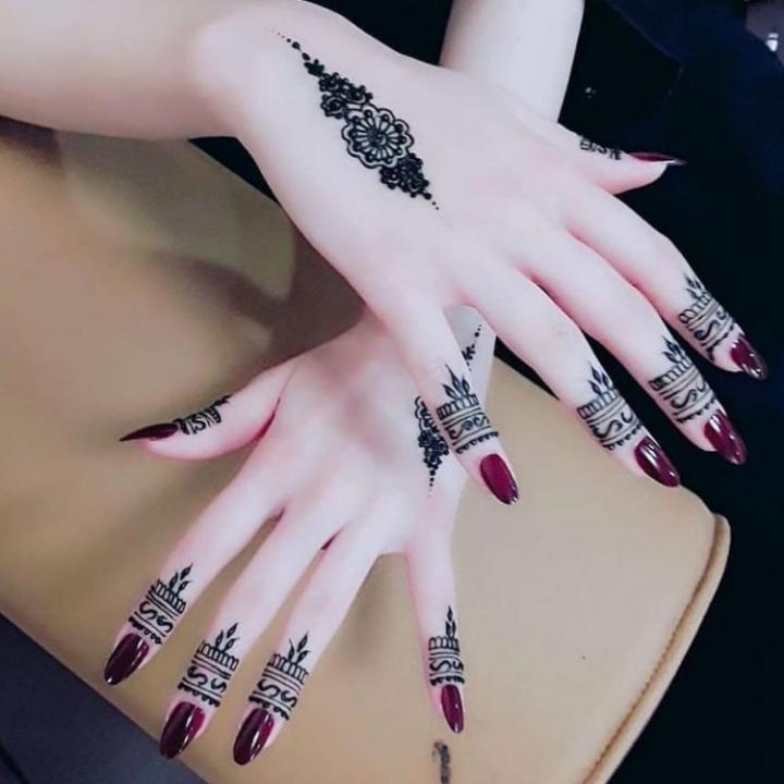 easy mehndi design fingers