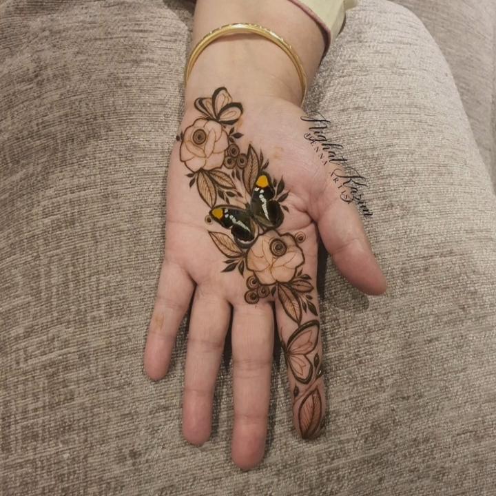 open hand easy mehndi design