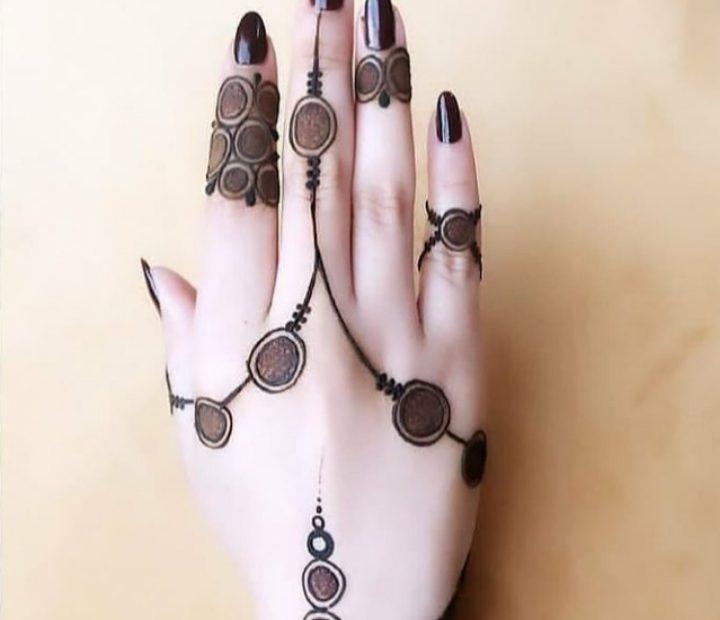 finger mehndi design royal