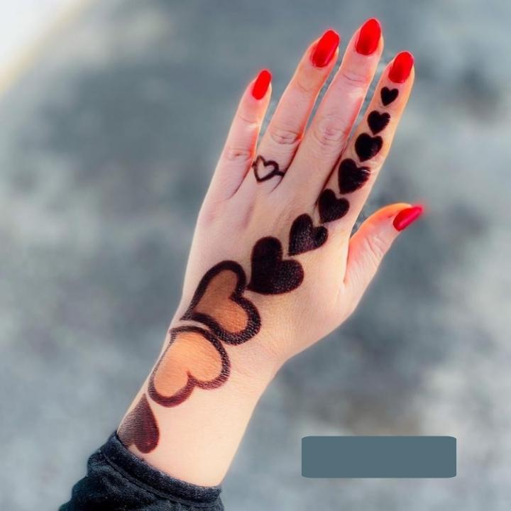 heart finger mehndi design
