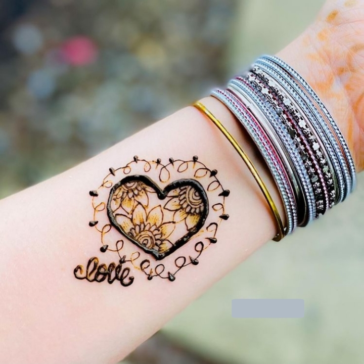 Easy and Simple Mehndi Design for Kids