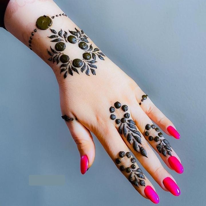 Hath Kay Mehndi Design