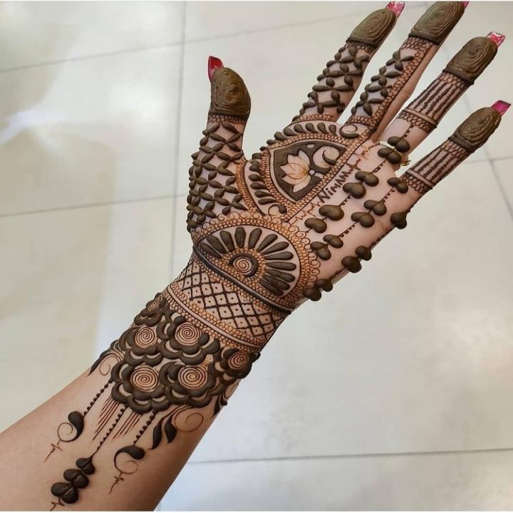 Indian Mehndi Kay Design