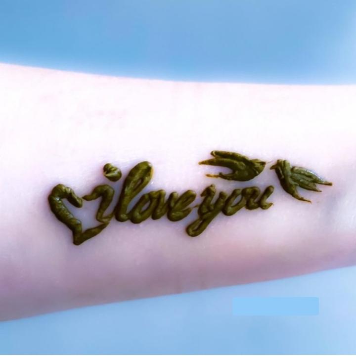 Love Henna Design