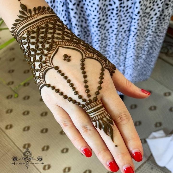 Mehndi Simple Design