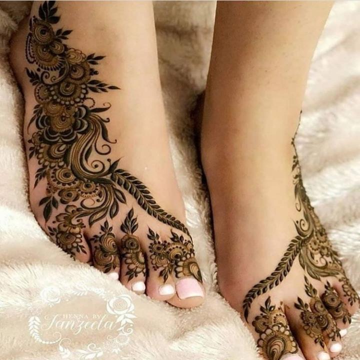 Pairon Ke Mehndi Design