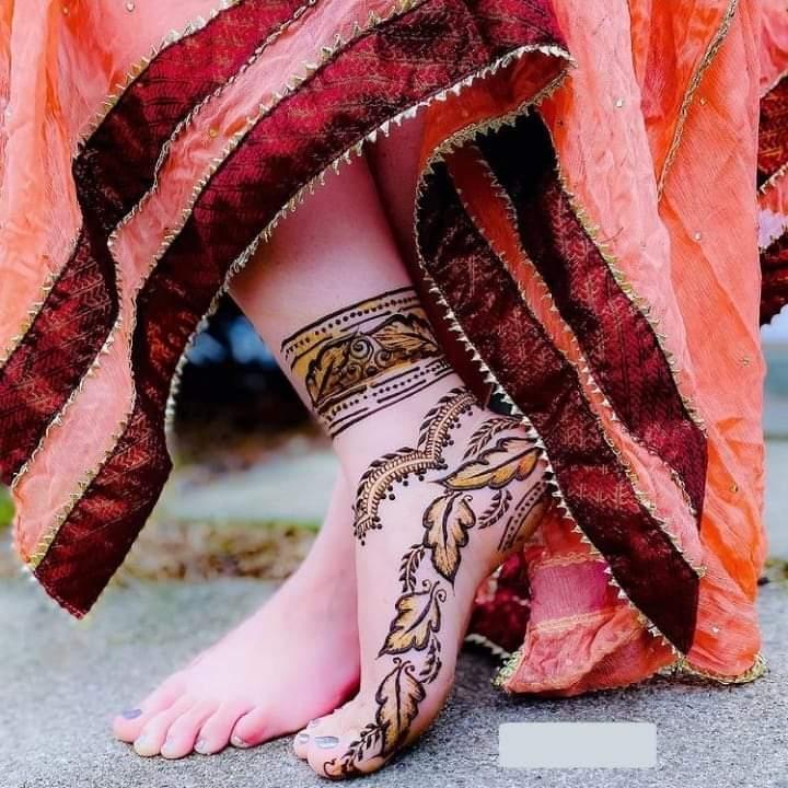 Simple Foot Mehndi Design