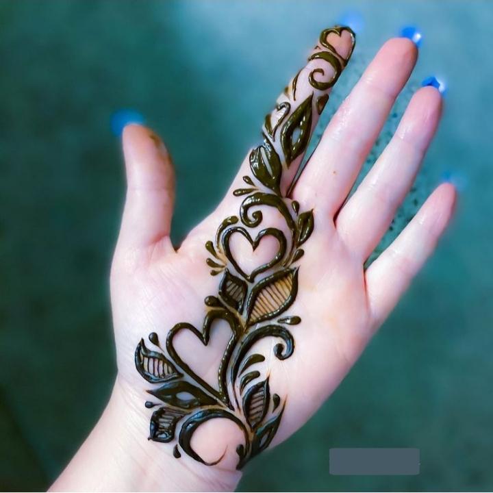 Simple Front Hand Mehandi Design