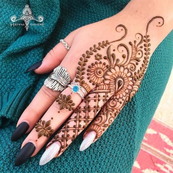 Western Henna Design