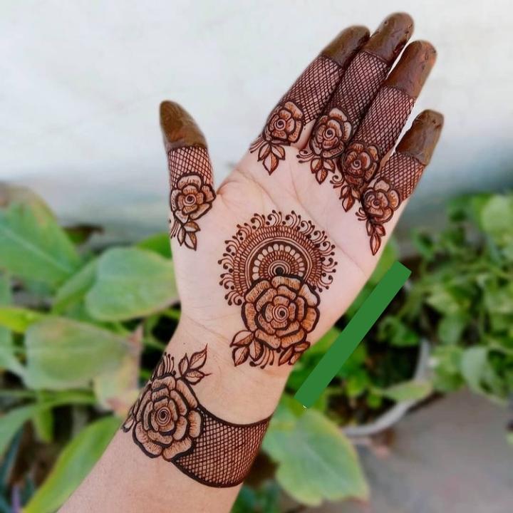 Open Hand Mehendi Design Full