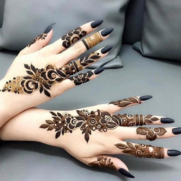 Henna Design Tangan